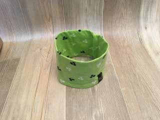 Stirnband grün gepunktet